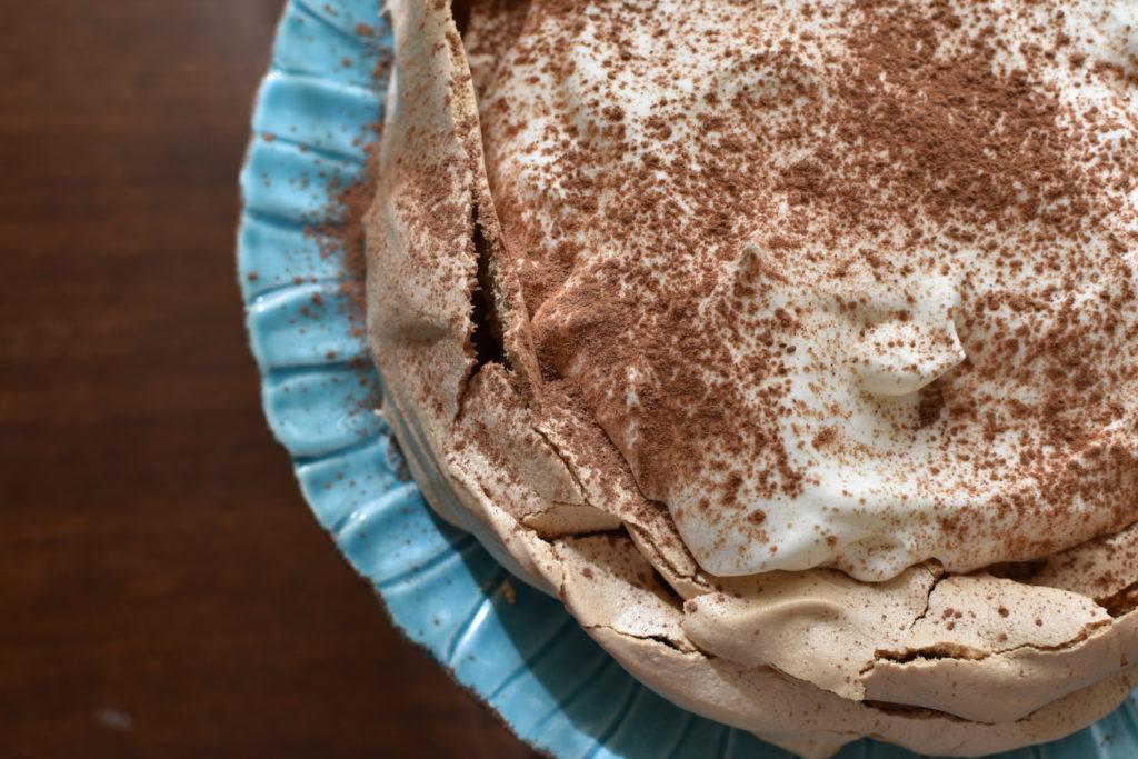 Cappuccino crunch - coffee flavoured pavlova dessert + dulcetdevotion.com